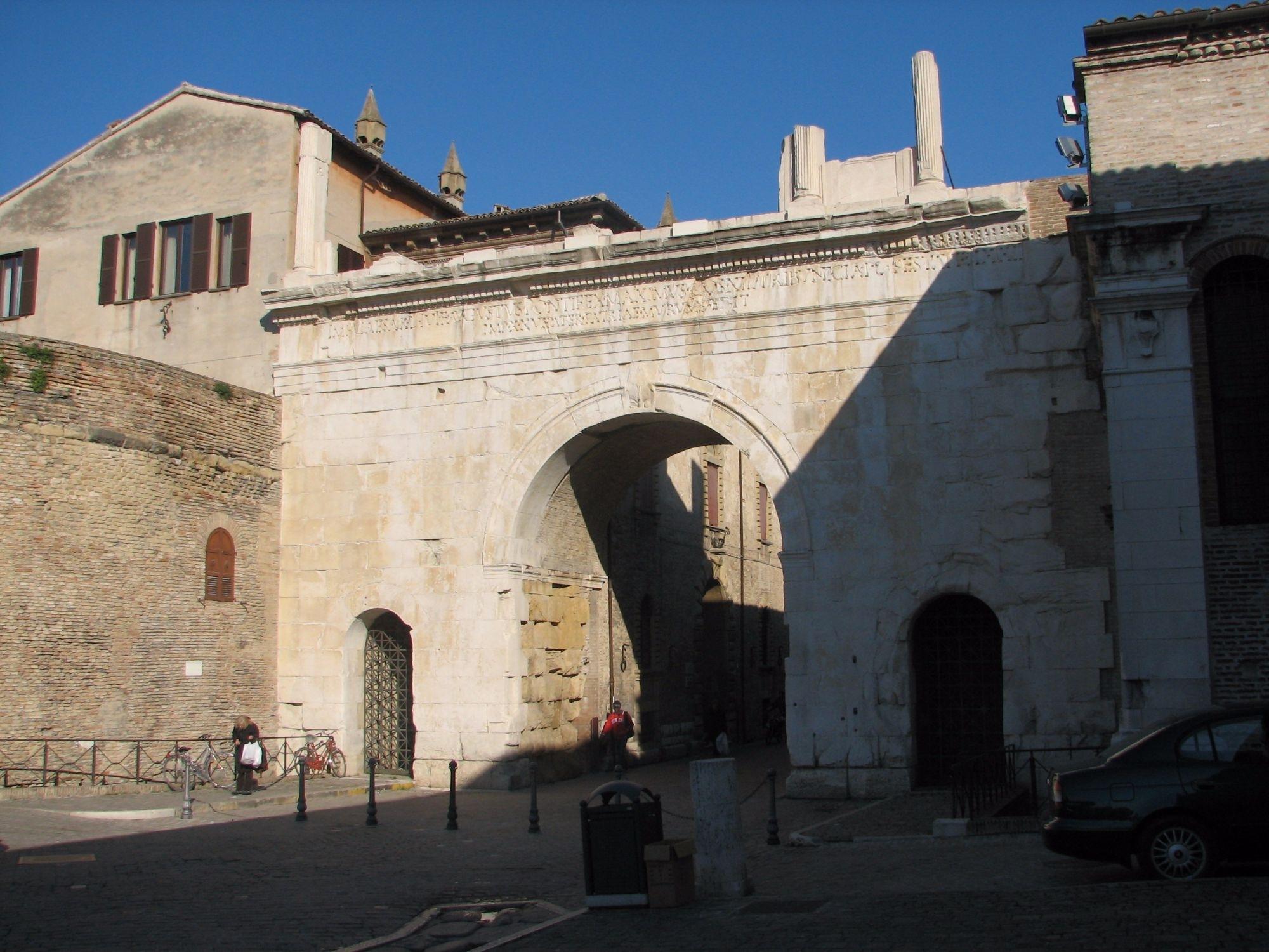 Porta di Augusto di Fano
